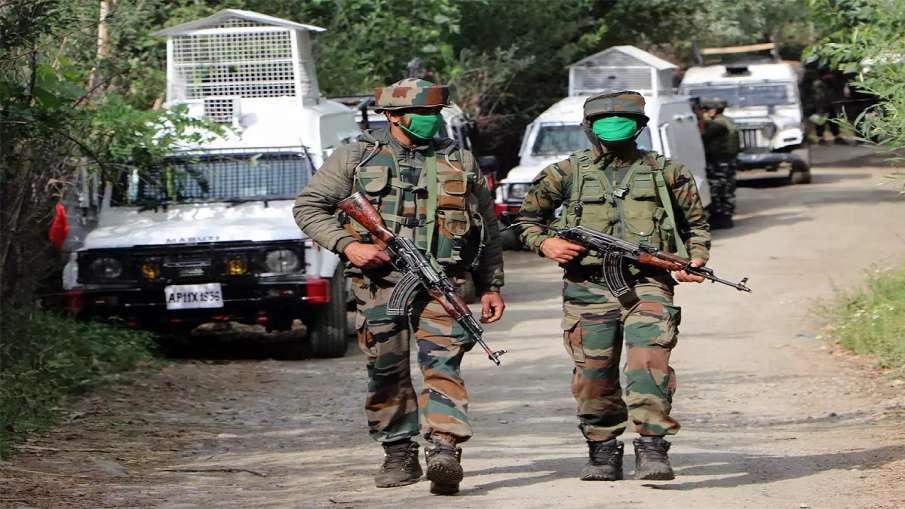 जम्मू-कश्मीर: शोपियां जिले में सुरक्षाबलों के साथ मुठभेड़ में एक आतंकवादी मारा गया- India TV Hindi
