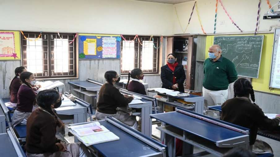 Delhi government schools being decorated with...- India TV Hindi