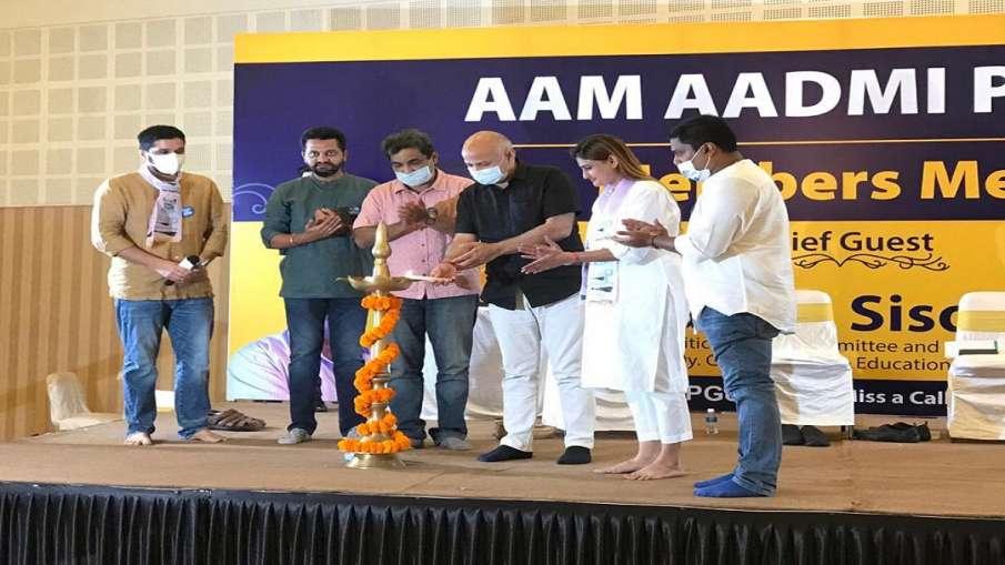 Manohar Parrikar name to be used by AAP in Goa to gain votes मनोहर पर्रिकर के नाम पर गोवा में पैठ बन- India TV Hindi