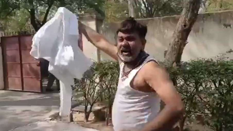 Pratapgarh Dhiraj Ojha, Dhiraj Ojha accuses SP, Dhiraj Ojha Police Beaten, Dhiraj Ojha BJP- India TV Hindi