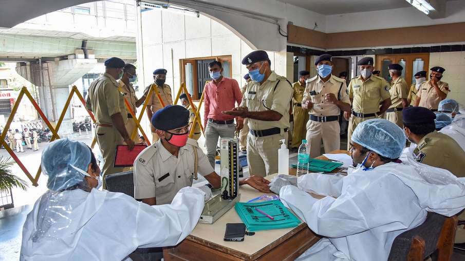 Gujarat reports highest one-day rise of 6,021 COVID-19 cases, 55 die- India TV Hindi