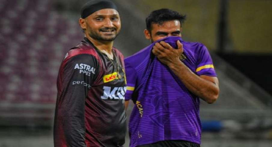 Dinesh Karthik, Harbhajan, KKR, Sports, cricket, IPl 2021 - India TV Hindi