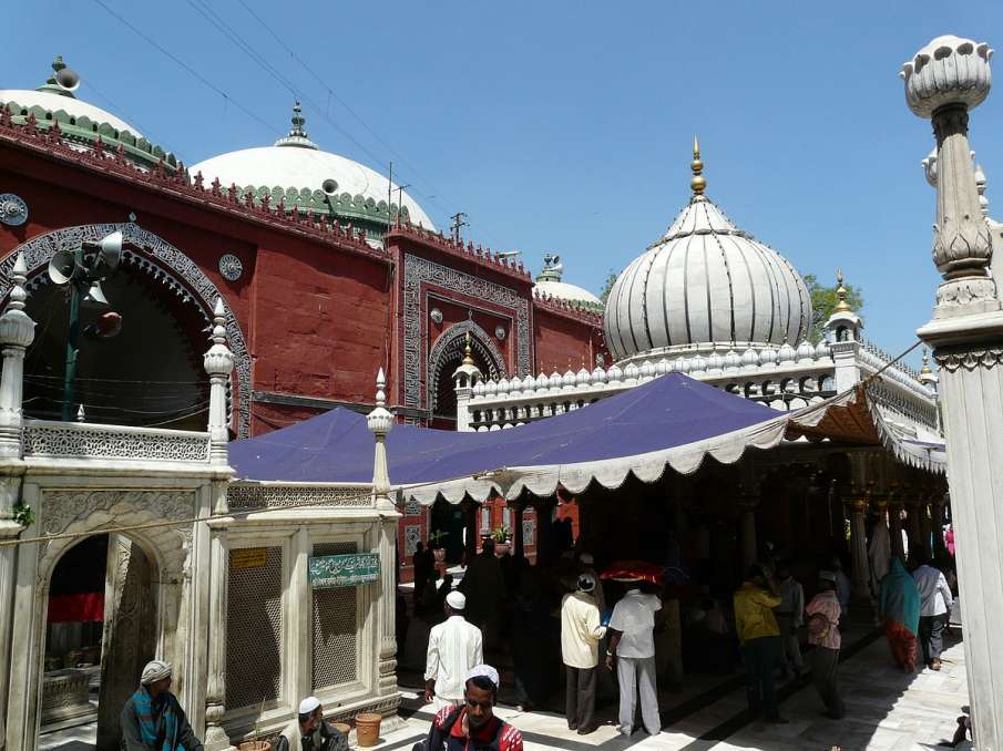 Delhi High Court allows Hazrat Nizamuddin mosque to make operational for devotees to offer prayers- India TV Hindi