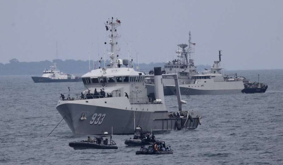 Indonesian Navy Loses Contact With Submarine; 53 Aboard- India TV Hindi
