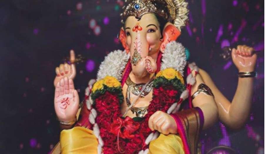 Sankashti Chaturthi: विकट संकष्टी चतुर्थी आज, सुख-समृद्धि के लिए करें श्री गणेश की पूजा, जानें शुभ म- India TV Hindi