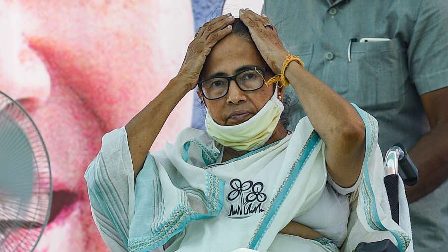 Mamata banerjee says EC should rename MCC as Modi Code of Conduct after cooch behar incident कूच बिह- India TV Hindi