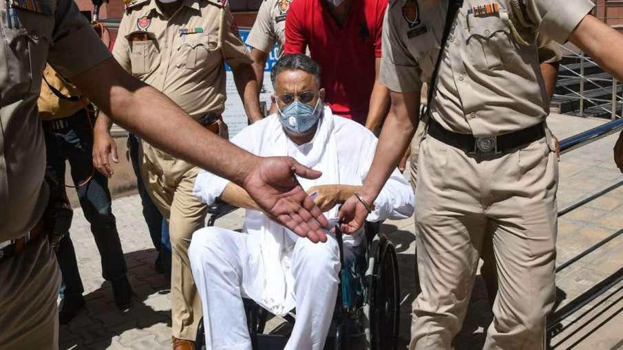 मुख्तार अंसारी के एंबुलेंस मामले में महिला चिकित्सक के खिलाफ प्राथमिकी दर्ज- India TV Hindi