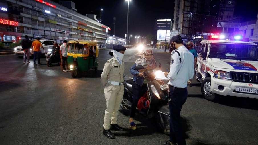 गुजरात के 9 और शहरों में नाइट कर्फ्यू, पाबंदियां भी बढ़ाई गईं- India TV Hindi