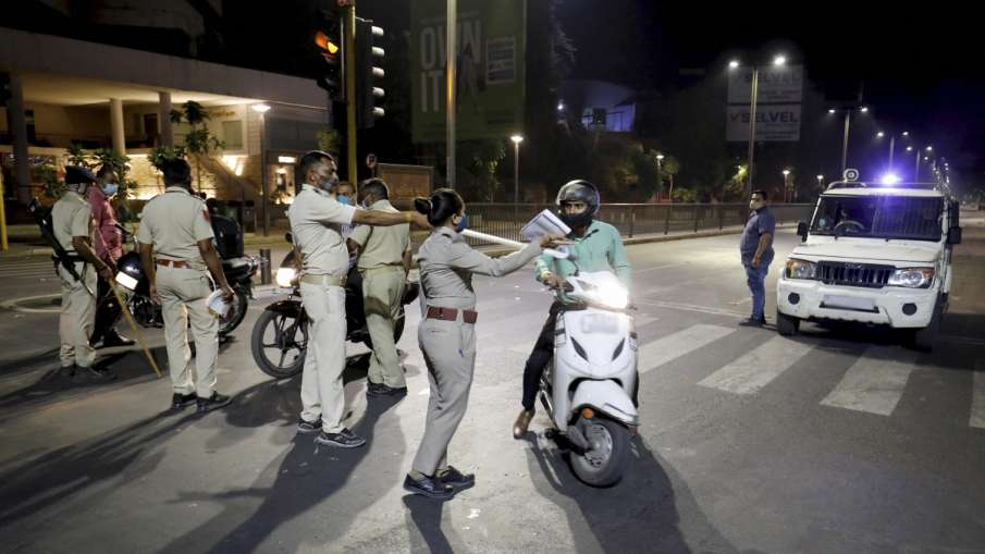 लखनऊ में नाइट कर्फ्यू, रात 9 बजे से सुबह 6 बजे तक प्रतिबंध होंगे लागू- India TV Hindi