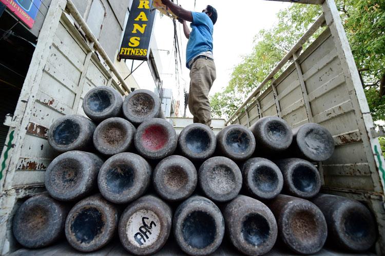 कानपुर में ऑक्सीजन...- India TV Hindi