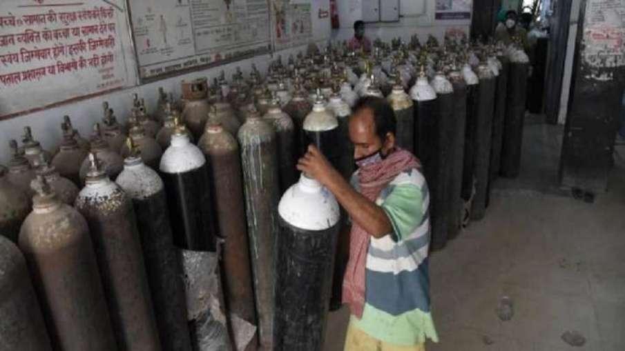 कर्नाटक ने केंद्र से 1500 टन ऑक्सीजन, रेमडेसिविर की एक लाख शीशियां मुहैया कराने को कहा - India TV Hindi