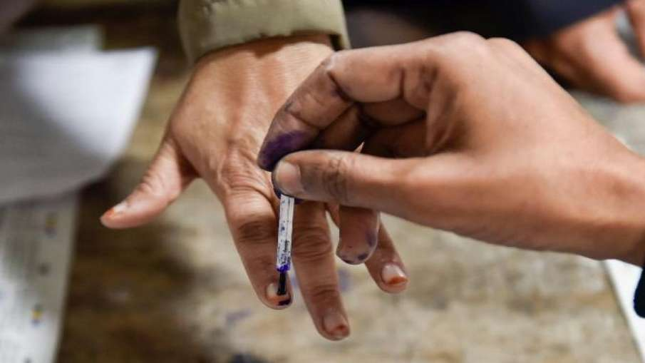 गुजरात: राज्य निर्वाचन आयोग ने कोरोना के चलते गांधीनगर नगर निगम चुनाव स्थगित किए- India TV Hindi