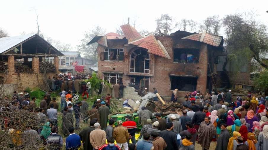 कश्मीर: आतंकियों ने...- India TV Hindi