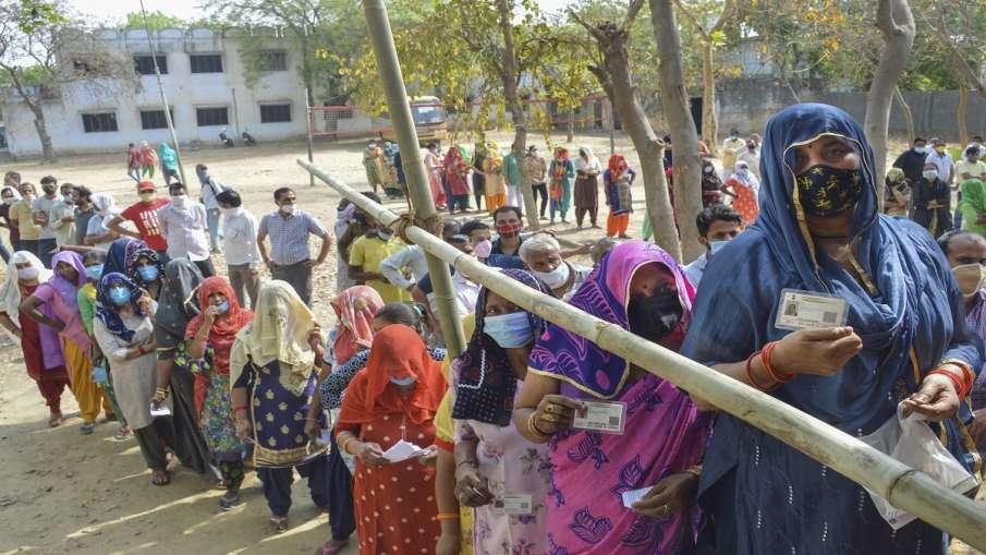 Uttar Pradesh panchayat chunav polling in firozabad shamli meerut unnao उत्तर प्रदेश पंचायत चुनाव: त- India TV Hindi