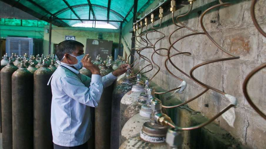 Construction of oxygen cylinders in BPCL will start soon BPCL में ऑक्सीजन सिलेंडरों का निर्माण जल्द - India TV Hindi