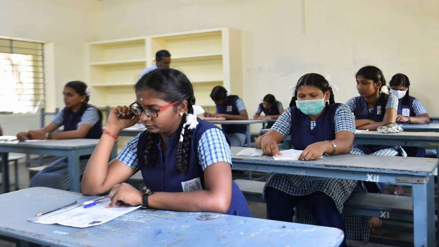 CBSE Board Exam Cancel or not PM Narendra Modi important meeting CBSE Board Exam कैंसिल होंगे या नही- India TV Hindi