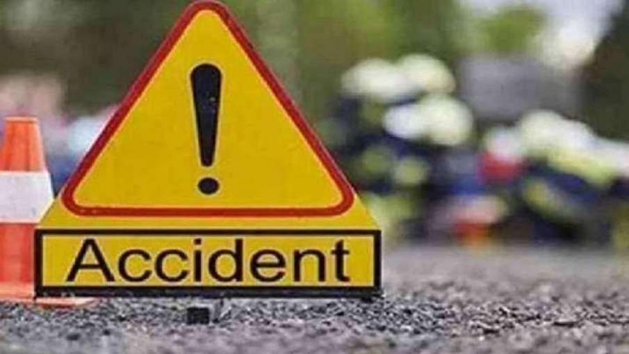 बहराइच में दो बसों की टक्कर में चालकों समेत तीन लोगों की मौत, छह अन्य घायल- India TV Hindi