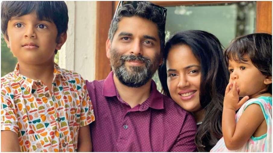 after sameera reddy husband Akshai Varde and kids tests positive for coronavirus- India TV Hindi