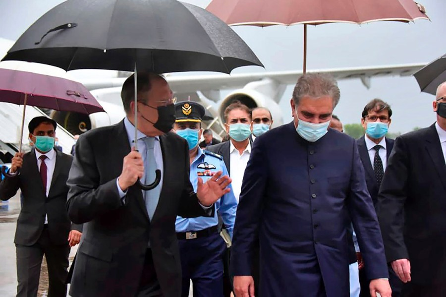 Lavrov arrives in Pakistan on rare visit; to hold talks with top leadership- India TV Hindi