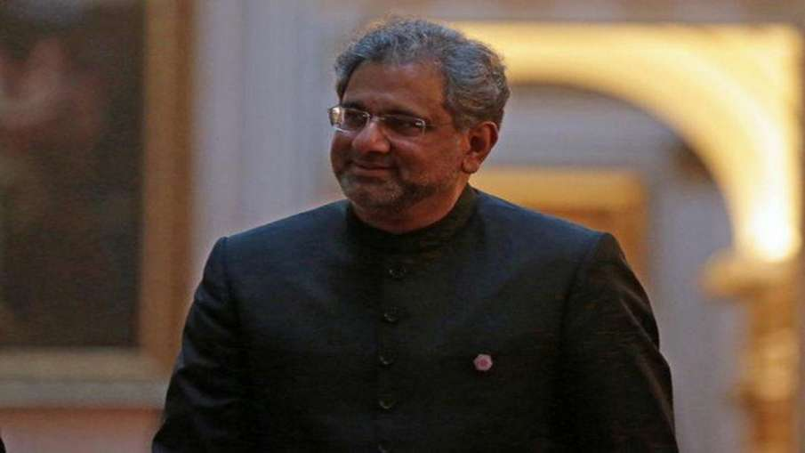pakistan former PM Shahid Khaqan Abbasi says to speaker I will remove my shoe and hit you with it 'ज- India TV Hindi