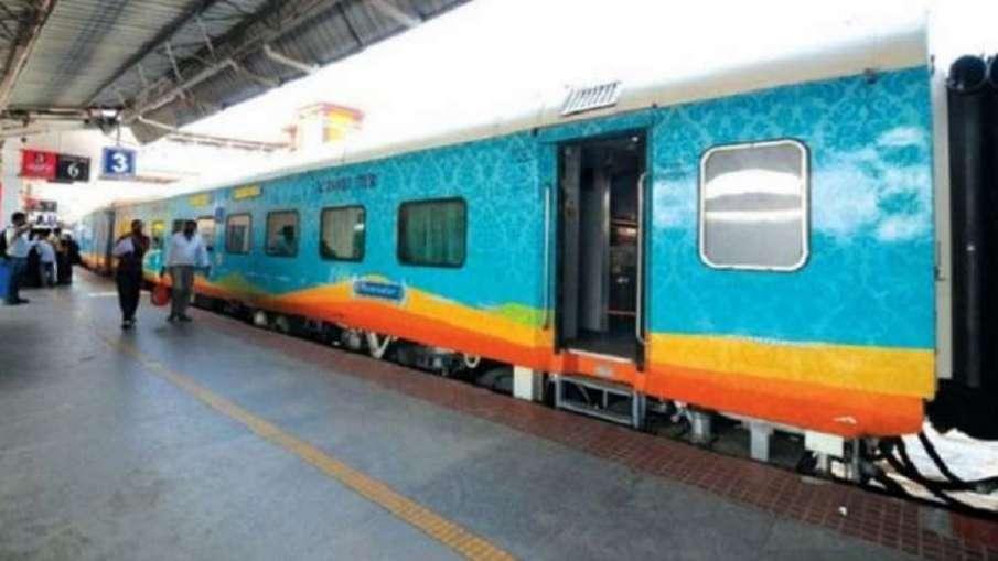 रेलव इन रूटों पर चलाएगा 4 शताब्दी और 1 दुरंतो स्पेशल ट्रेन, जानिए पूरी डिटेल- India TV Hindi