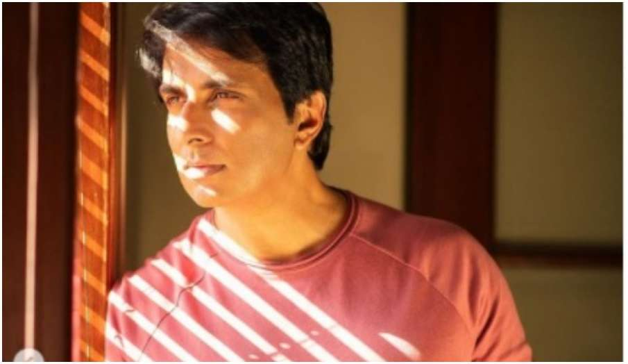 sonu sood shares video inbox flooded with help message - India TV Hindi