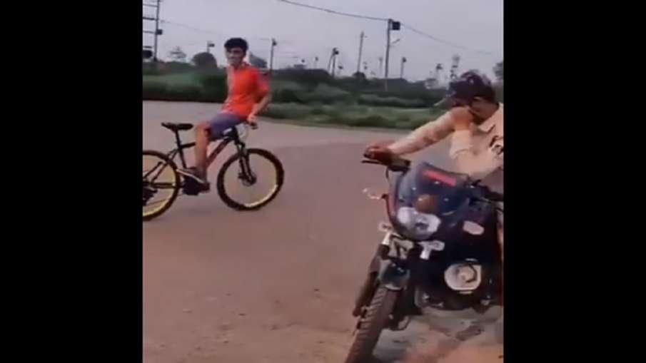 viral video of stunt boy- India TV Hindi