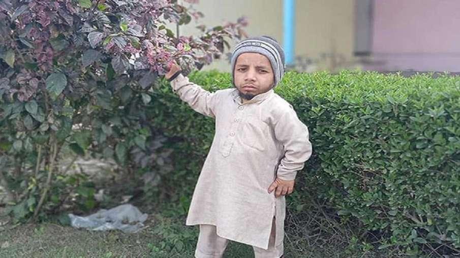 two feet azim mansoori- India TV Hindi