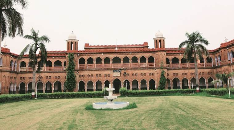 Panic in AMU as 18 professors die of Covid in 20 days,...- India TV Hindi