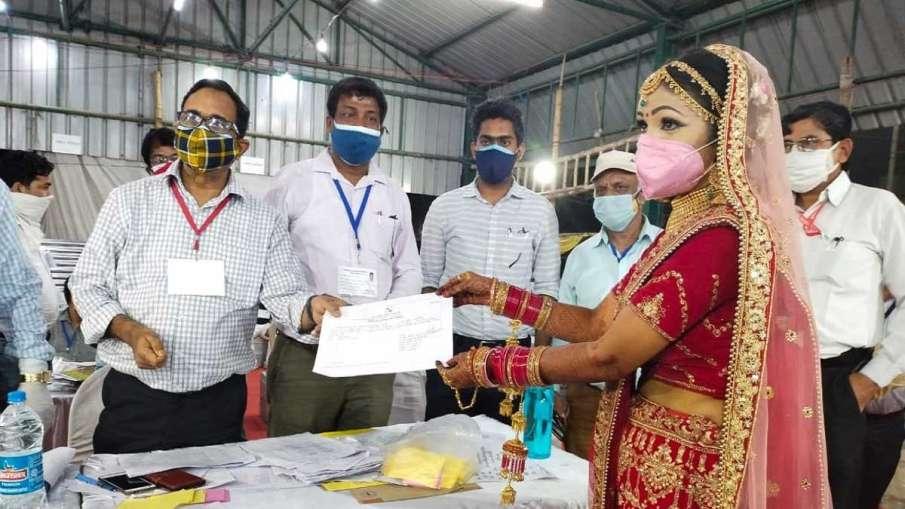 UP: पंचायत चुनाव जीतीं...- India TV Hindi