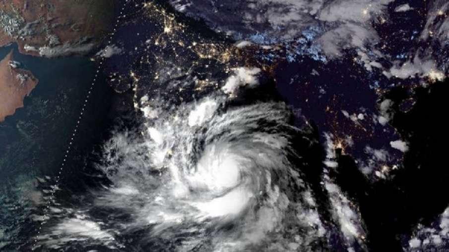 चक्रवात 'यास': ओडिशा ने जिलों को अलर्ट किया, नौसेना और तटरक्षक बल से सतर्क रहने को कहा- India TV Hindi