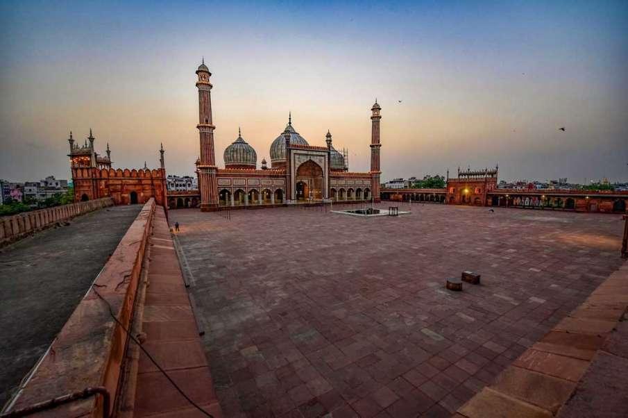 Shahi imams appeal to Muslims to offer prayers at home during Ramzan- India TV Hindi