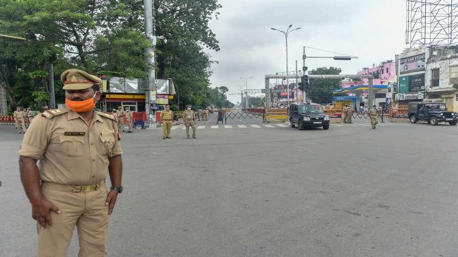 उत्तर प्रदेश में 31 मई तक बढ़ाया गया कोरोना कर्फ्यू, 84 फीसदी कम हुए नए केस- India TV Hindi
