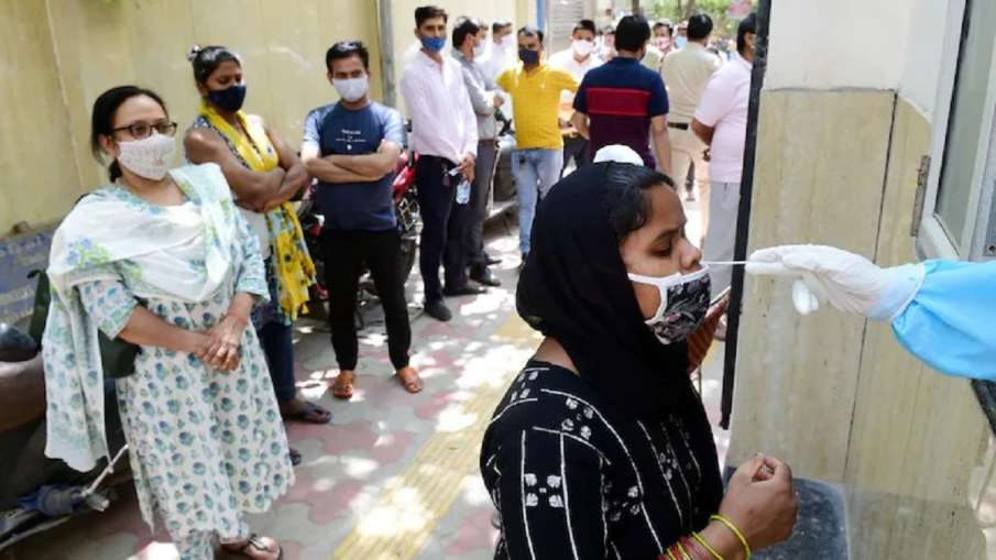 New daily coronavirus infection count sees fall in Lucknow- India TV Hindi