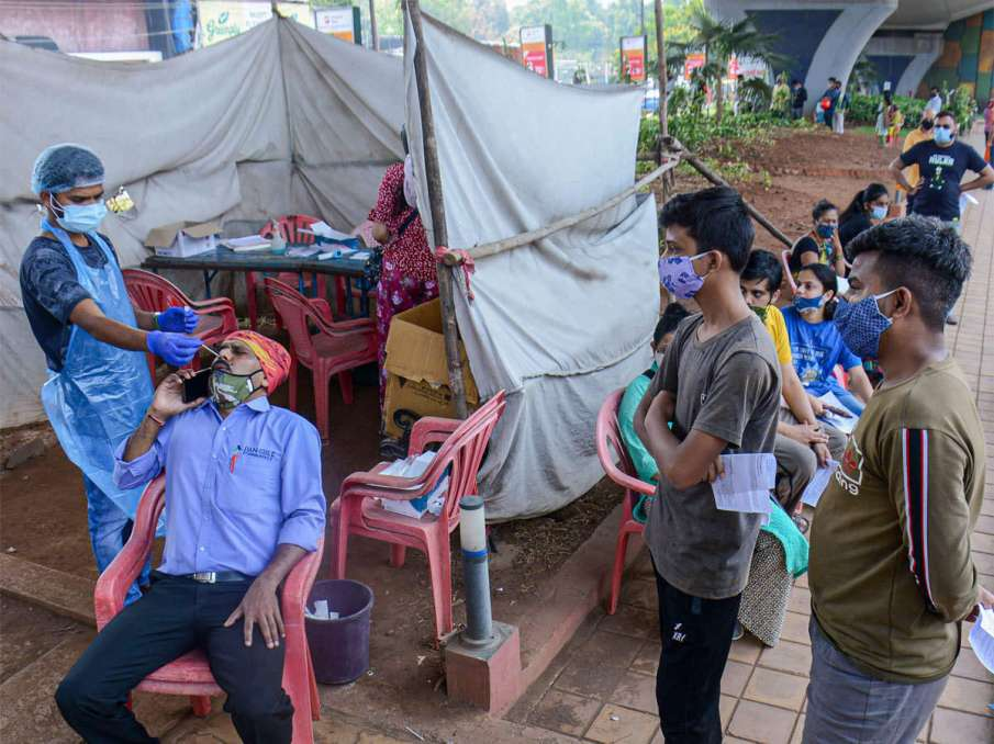 In a first in 30 days, Maharashtra's daily Coronavirus cases fall below 50,000- India TV Hindi