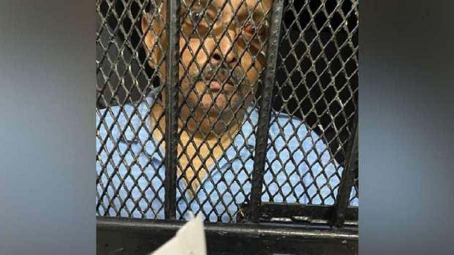 Mehul Chowksi Photo from Dominica jail red eye injury on hand डोमिनिका की जेल से सामने आई मेहुल चोकस- India TV Hindi
