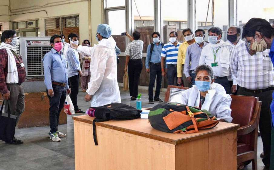 MP reports 12062 new COVID-19 cases, 93 deaths in a single day- India TV Hindi