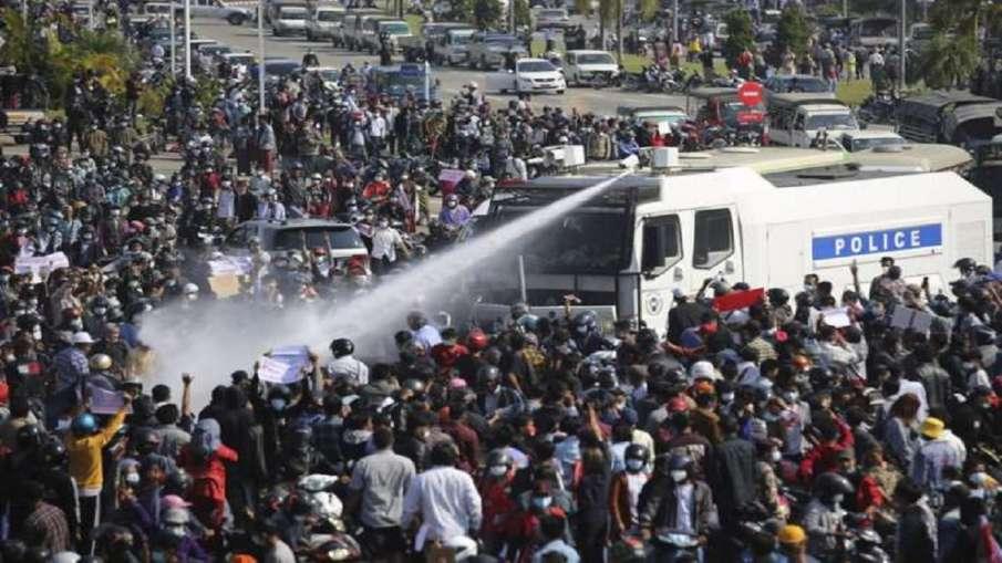 म्यांमार में हिरासत में बंद नेताओं की रिहाई एवं हिंसा समाप्त करने की मांग पर जोर देते रहेंगे: भारत - India TV Hindi