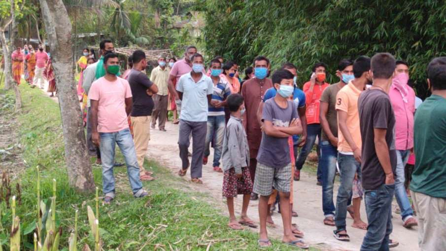 जान बचाने के लिए बंगाल से असम पहुंचे 300-400 भाजपा समर्थक, चुनाव परिणामों के बाद हिंसा- India TV Hindi