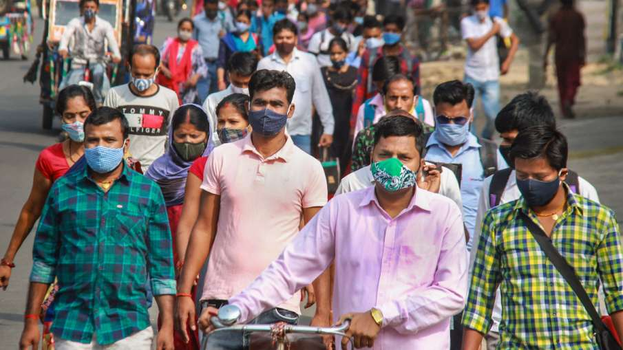 सावधान! कोरोना संक्रमित की छींक से 10 मीटर दूरी तक जा सकता है वायरस- India TV Hindi