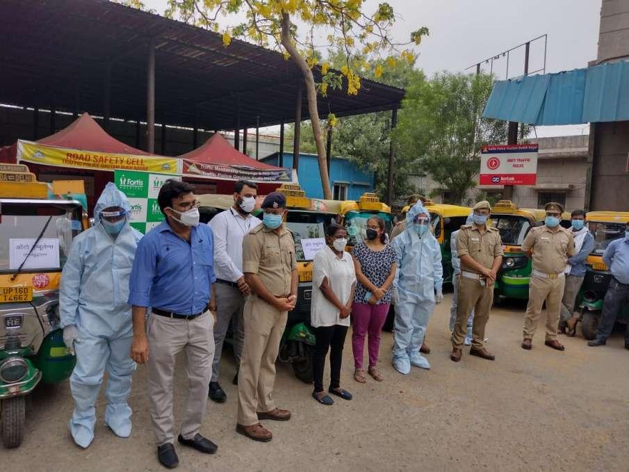 नोएडा ट्रैफिक पुलिस...- India TV Hindi