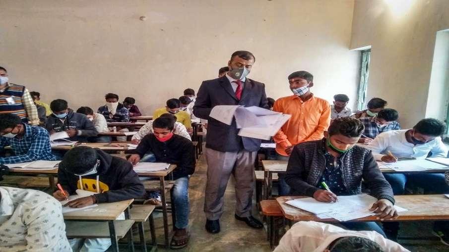 12th Board Exam dates government forms GoM 12th Board Exams: सरकार ने बनाया GoM, राज्य के शिक्षामंत्- India TV Hindi