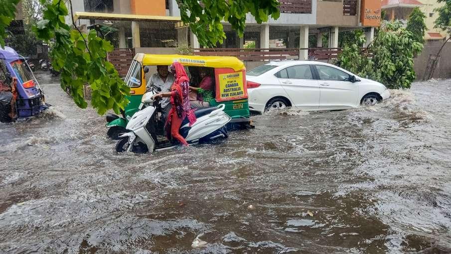 Heavy rain predicted in Delhi NCR IMD orange alert cyclone Tauktae आज दिल्ली NCR में दिखाई देगा 'टाउ- India TV Hindi