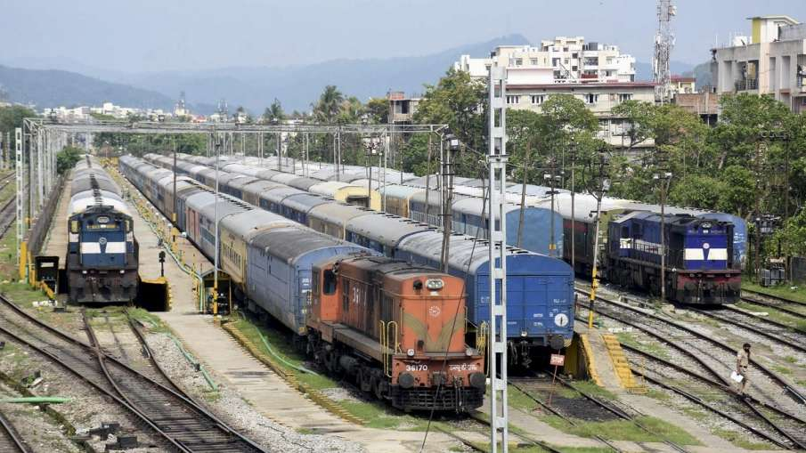 Railways decided to run these 5 pairs of special trains till May 21, see list - India TV Hindi