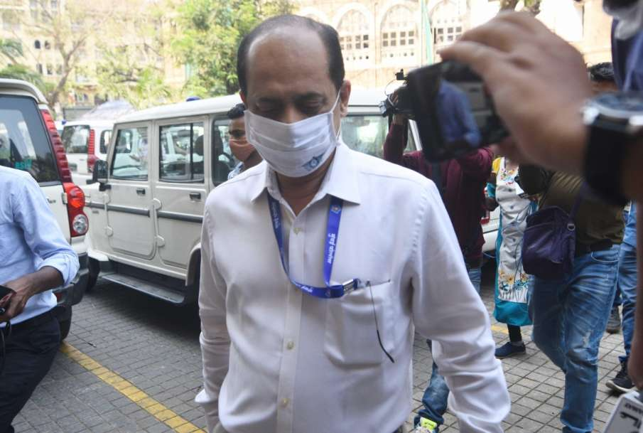 Suspended Mumbai police officer Sachin Vaze dismissed from service- India TV Hindi