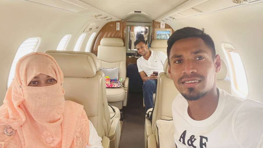 Shakib Al Hasan and Mustafizur Rahman Reach Bangladesh by Charter Flight- India TV Hindi