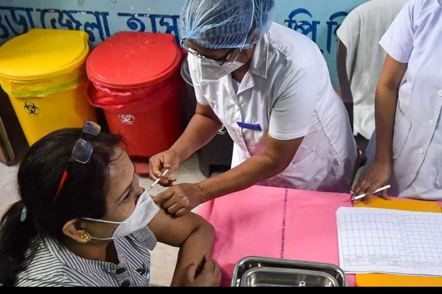 Yogi Govt Announces Special Centres for Free Vaccination of Working Journalists and Their Families- India TV Hindi