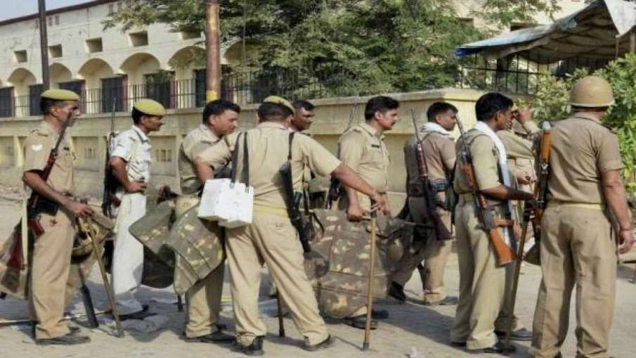 BJP MLA's house attacked in Etah- India TV Hindi
