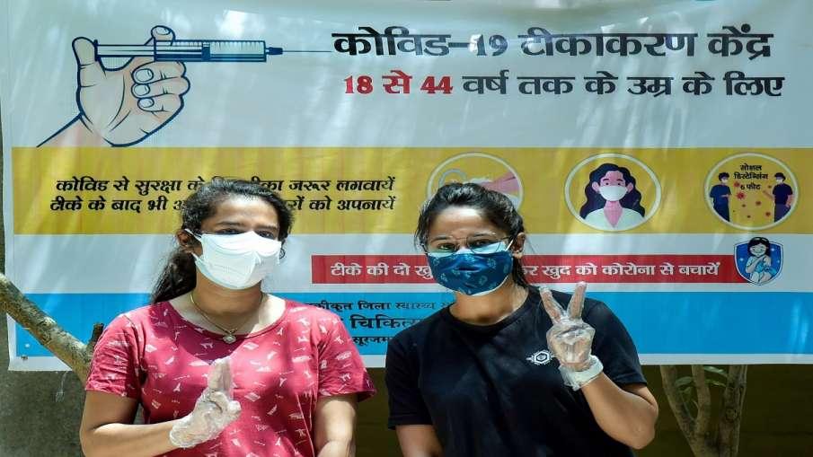Delhi coronavirus cases covid vaccination kejriwal दिल्ली में कोरोना मामले हो रहे कम लेकिन बंद हो गय- India TV Hindi