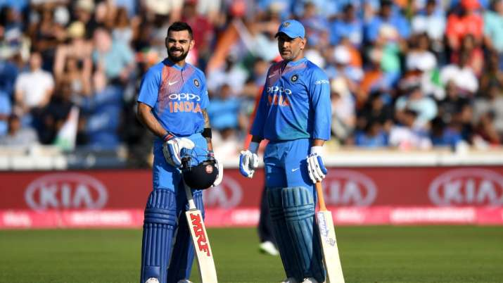 Virat Kohli won the hearts of fans by saying these two words about Dhoni- India TV Hindi